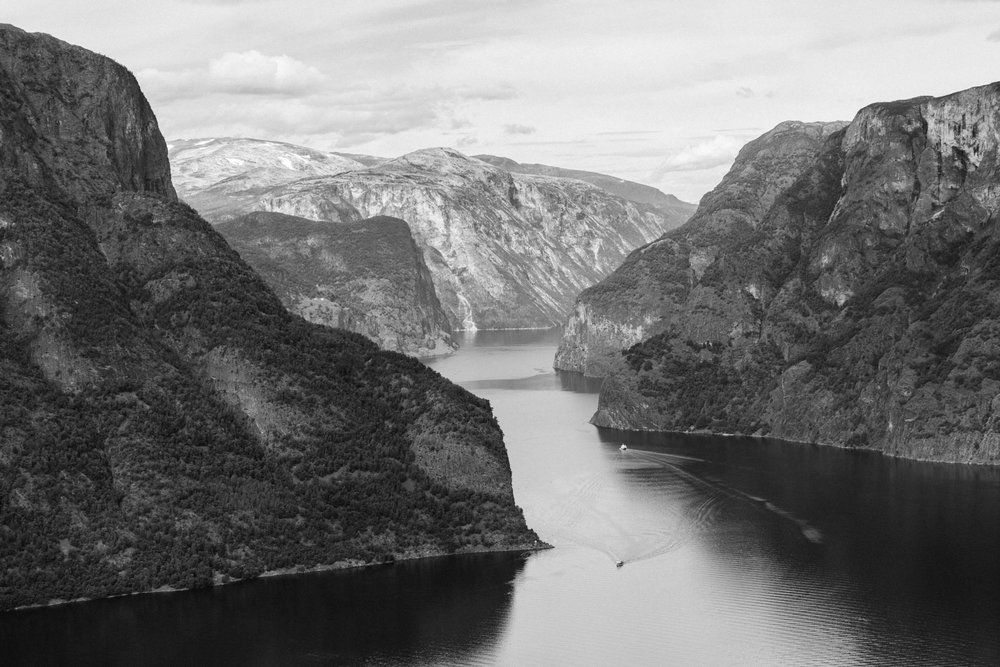 norway-travel-hiking-trolltunga-pulpit-rock-032.jpg