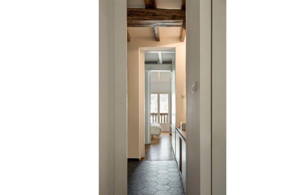 Apartment La Vieja-Bilbao-Image 04.jpg
