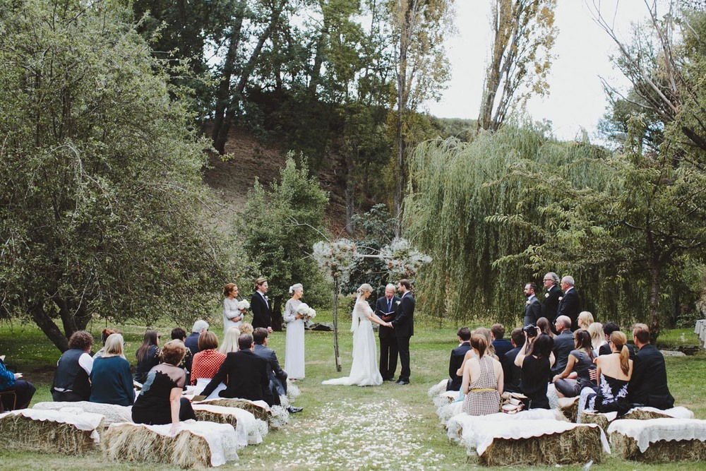 justin_aaron_queenstown_thelby_domain_new_zealand_wedding_sally_lachlan-72.jpg