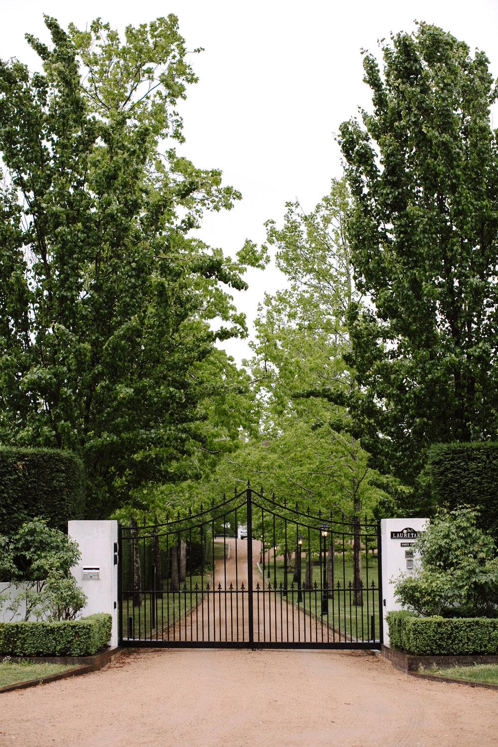 justinaaron-bendooley-estate-wedding-vanessa-dom-001.jpg