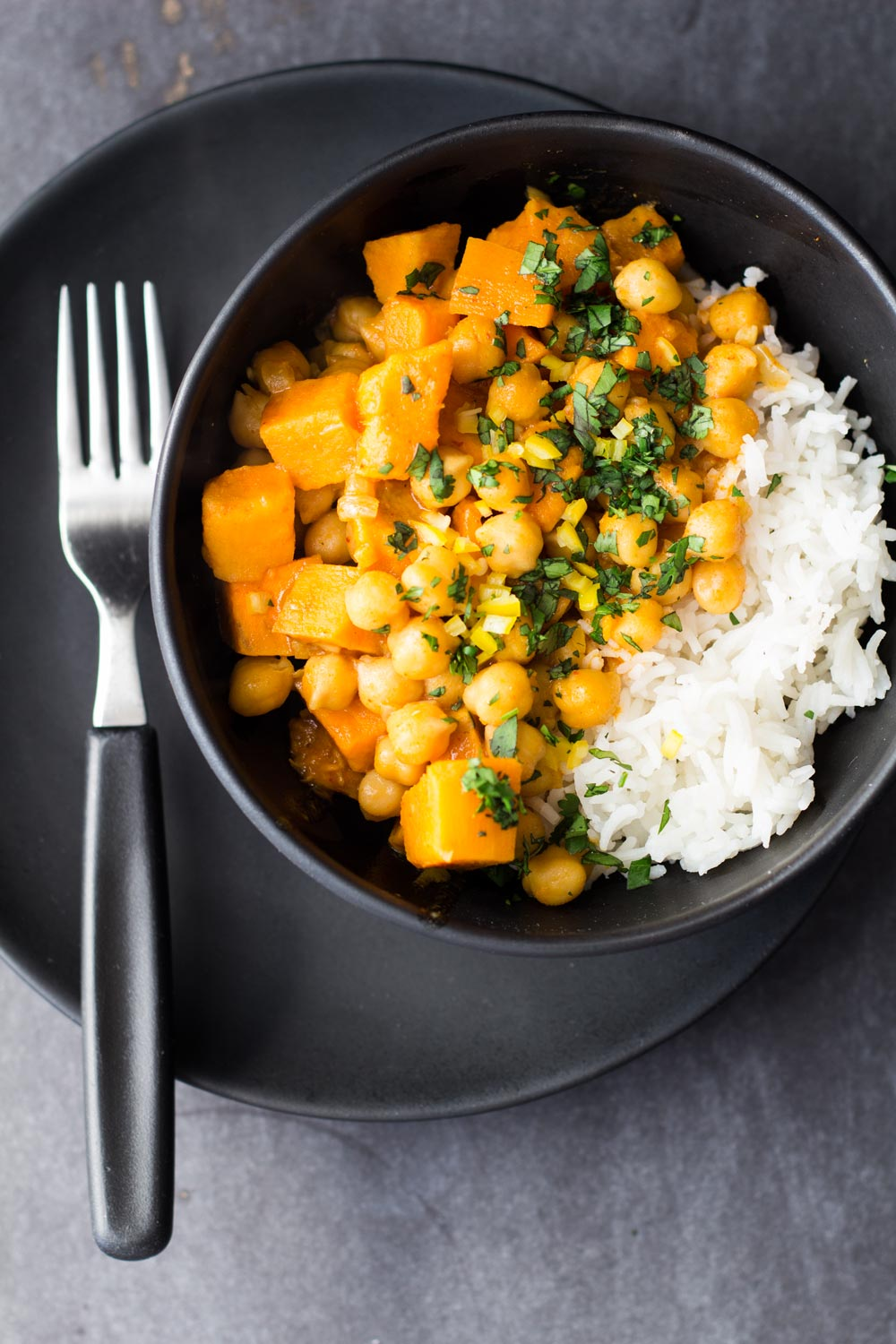 Vegan Sweet Potato & Chickpea Curry from Green Healthy Cooking - easy, vegetarian recipes under 30 minutes.