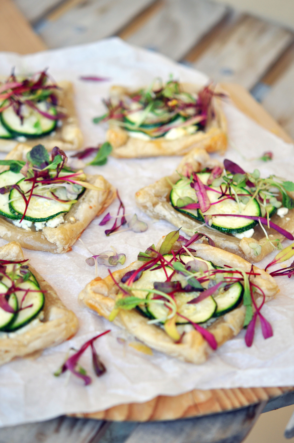 Mini Zucchini Tarts with Microgreens - a wonderful, vegetarian recipe for a light lunch or an appetizer.