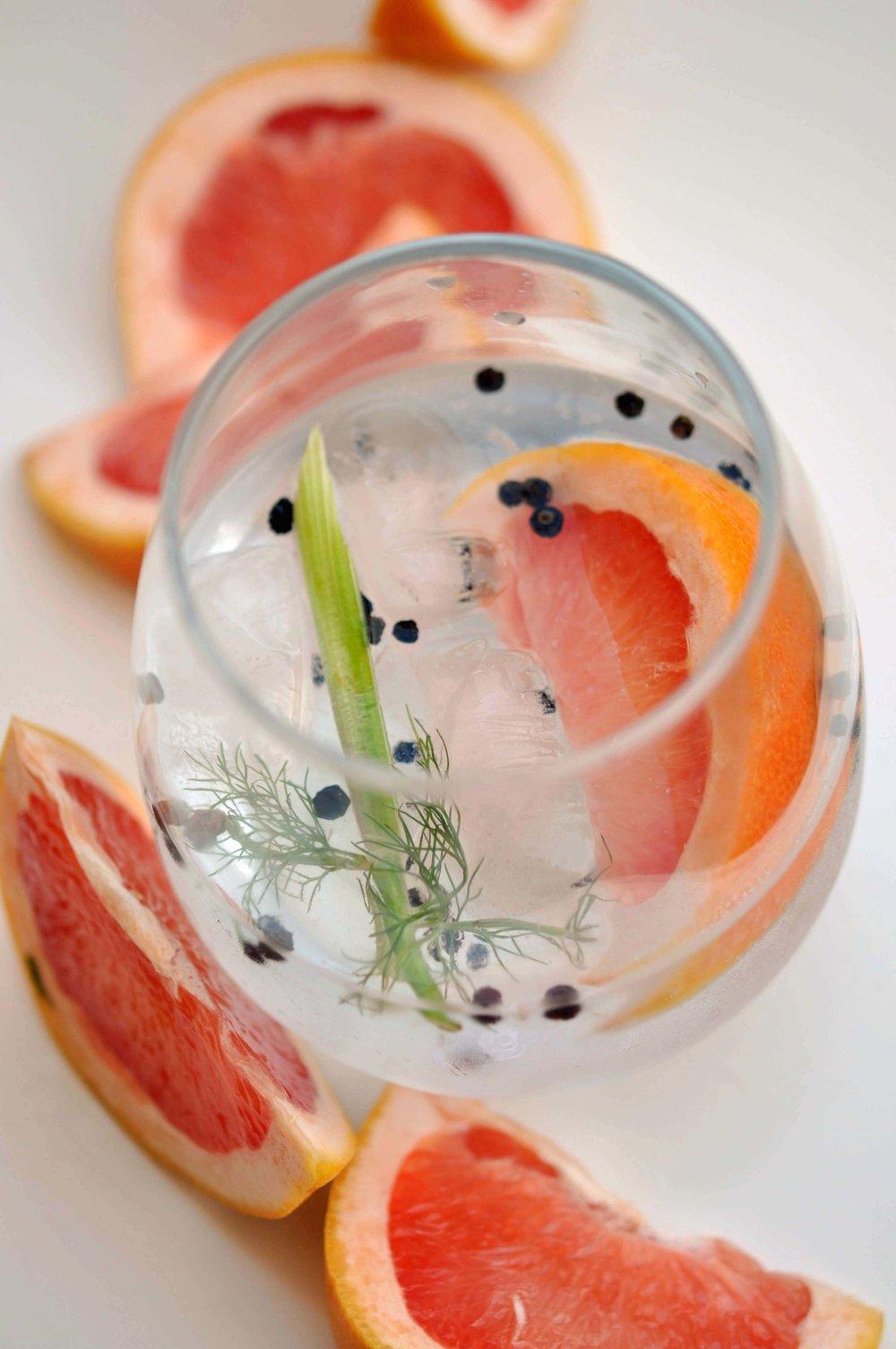 Fennel, Black Pepper, & Grapefruit G&T | Shiny Happy Bright