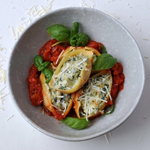 Spinach Artichoke Stuffed Pasta Shells