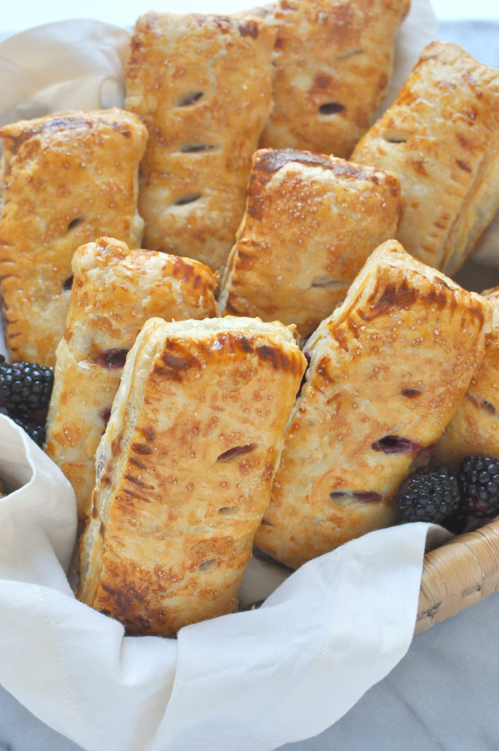 Blackberry & Apple Hand Pies (vegetarian, baking, fruit pie) | Shiny Happy Bright