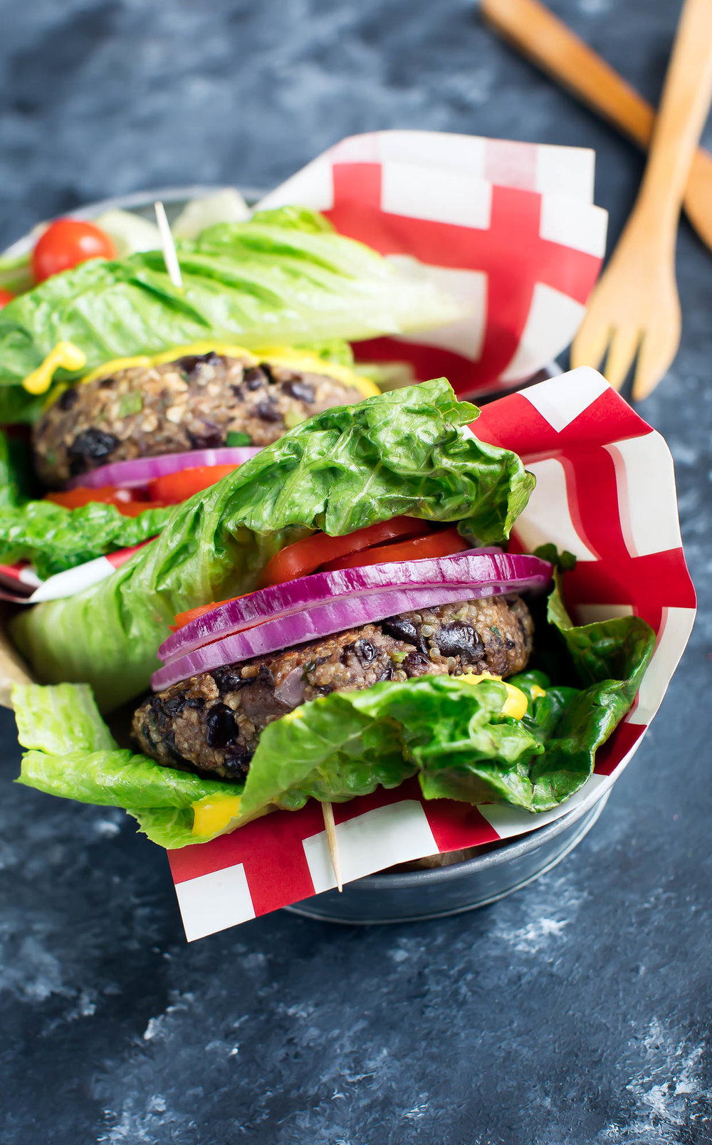 Quinoa Black Bean Veggie Burgers from Peas and Crayons