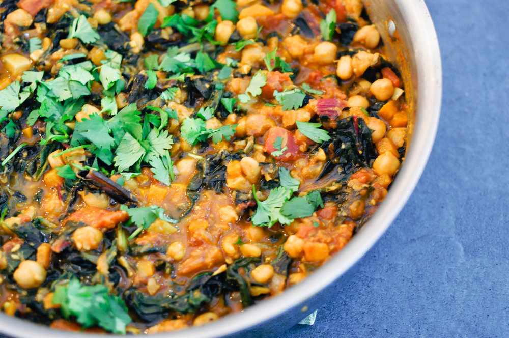 Vegetarian Chickpea Stew. This healthy, hearty meal is a deliciously spiced dinner recipe | This Healthy Table