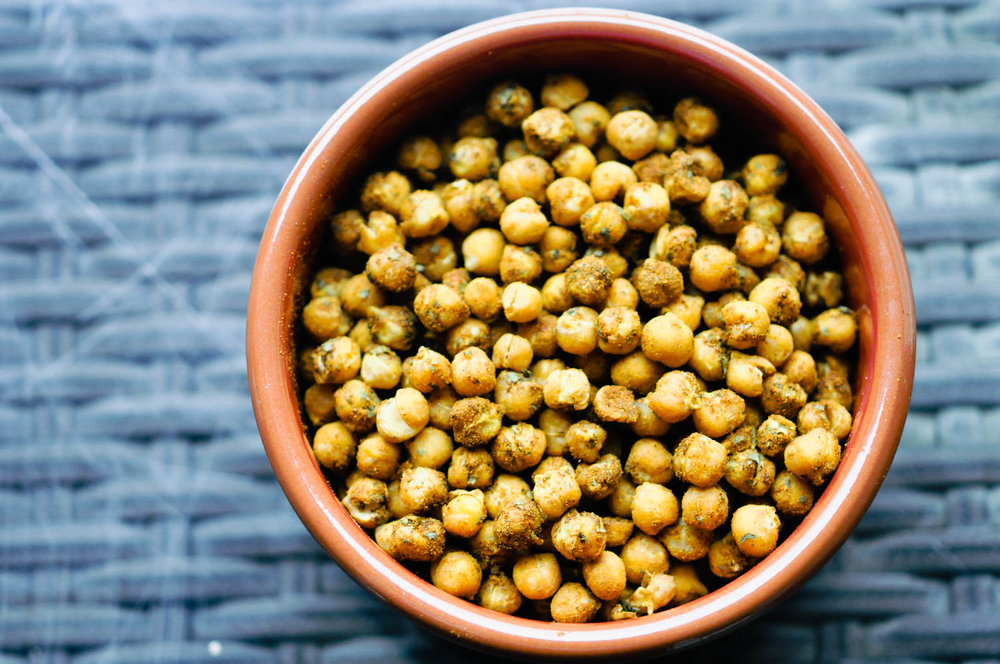 Tajine Spice Roasted Chickpeas | This Healthy Table