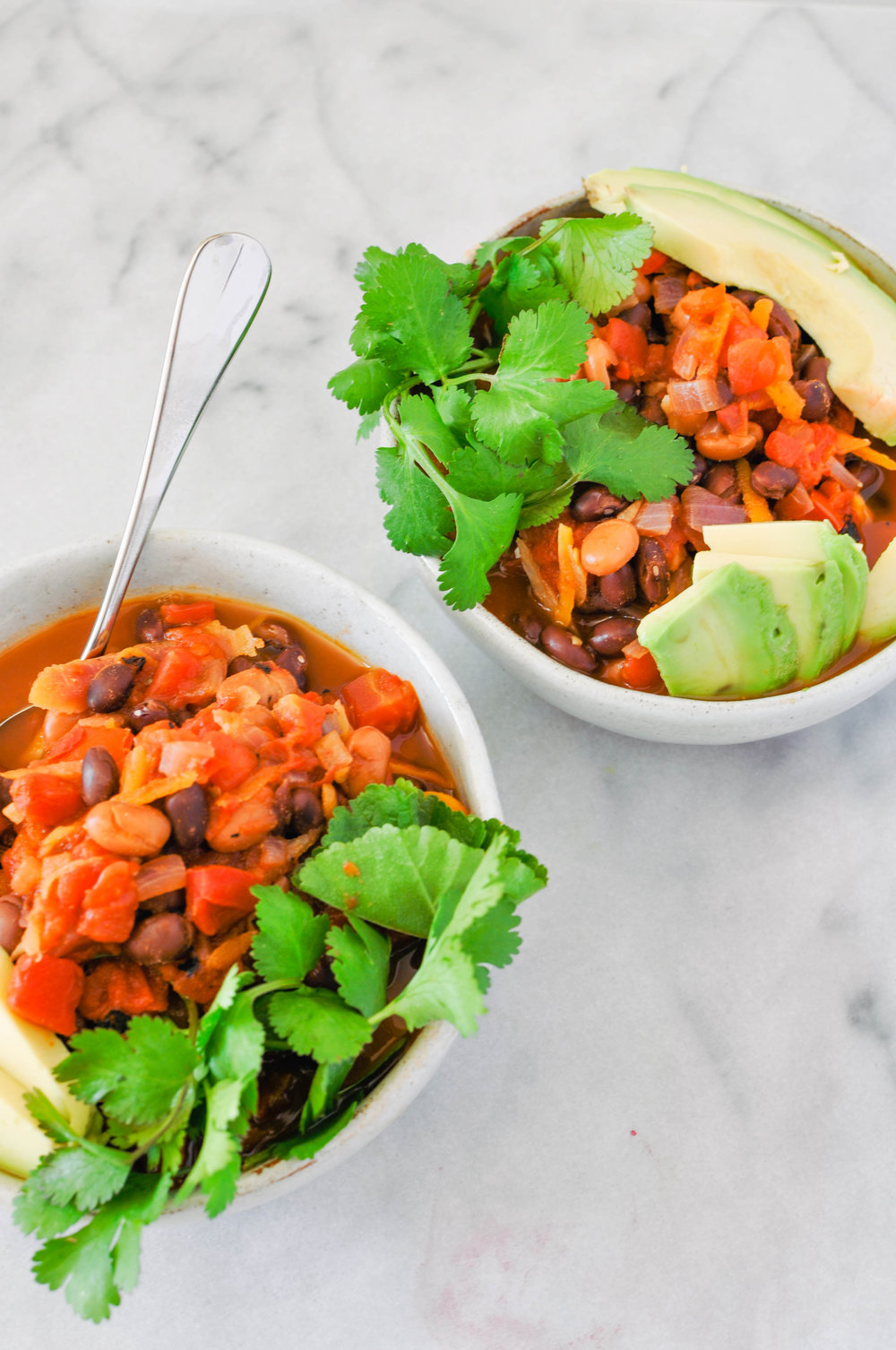 The ultimate vegan chili. A delicious, simple recipe for dinner (vegan, vegetarian, healthy dinner) | This Healthy Table