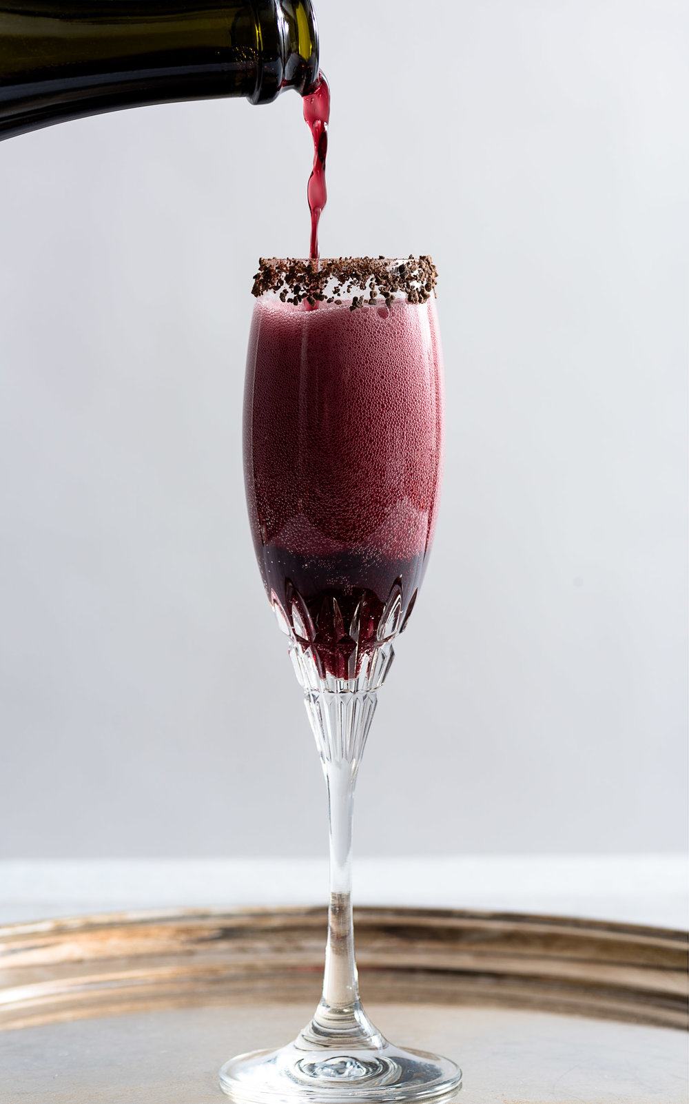 Sparkling Shiraz Cocktail with Dark Chocolate Coated Cacao Nibs from Nommagedon
