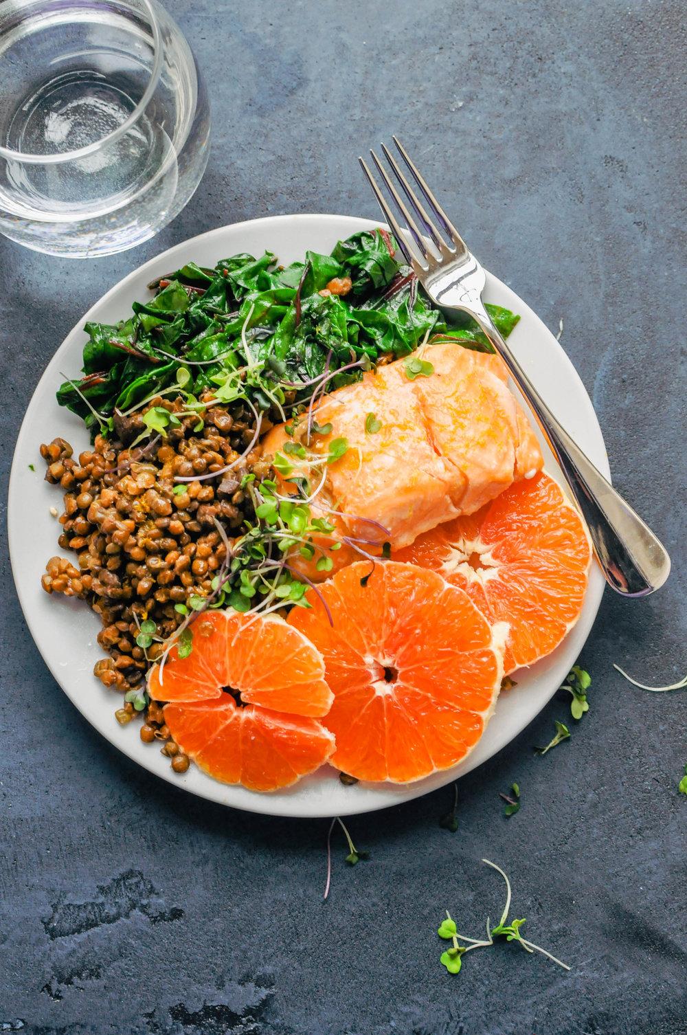 Cara Cara Orange Salmon & Lentil Bowl - This delicious Cara Cara orange salmon and lentil bowl is an awesome, healthy weeknight meal!