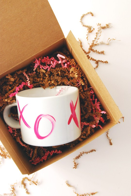 DIY Valentine's XO Mug from Proper