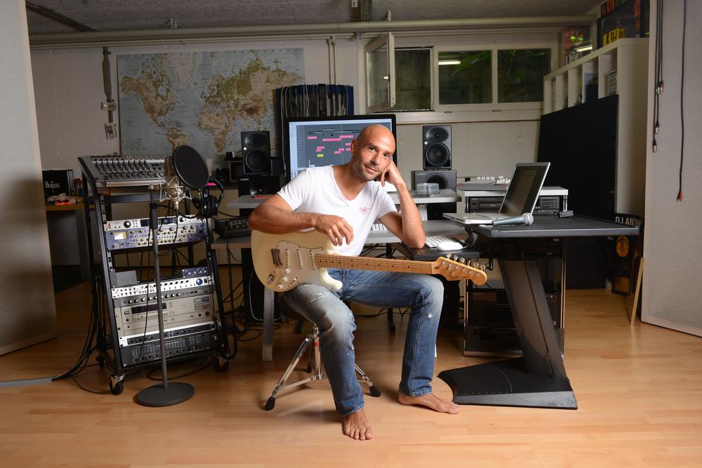 DJ Mauri