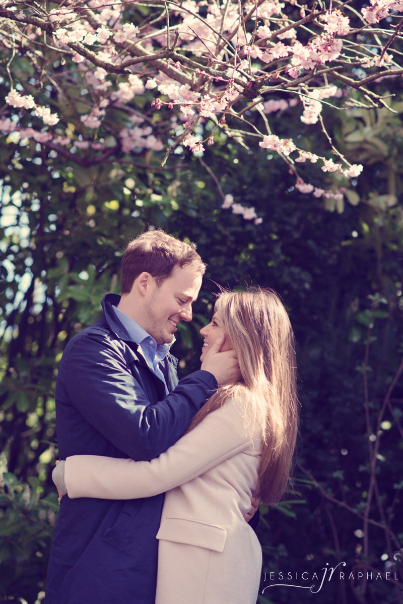 engagement-shoot-bath-royal-crescent-victoria-park-bath-wedding-photographer-jessica-raphael-photography