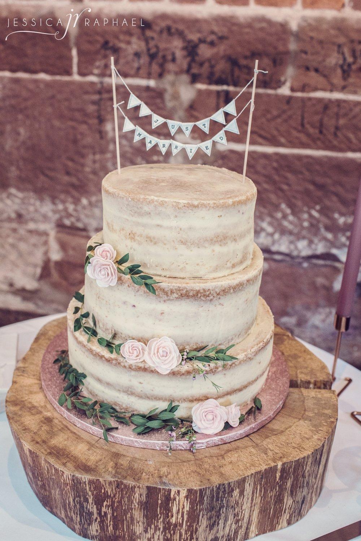 curradine-barns-wedding-photos-curradine-barns-shrawley-jessica-raphael-photography