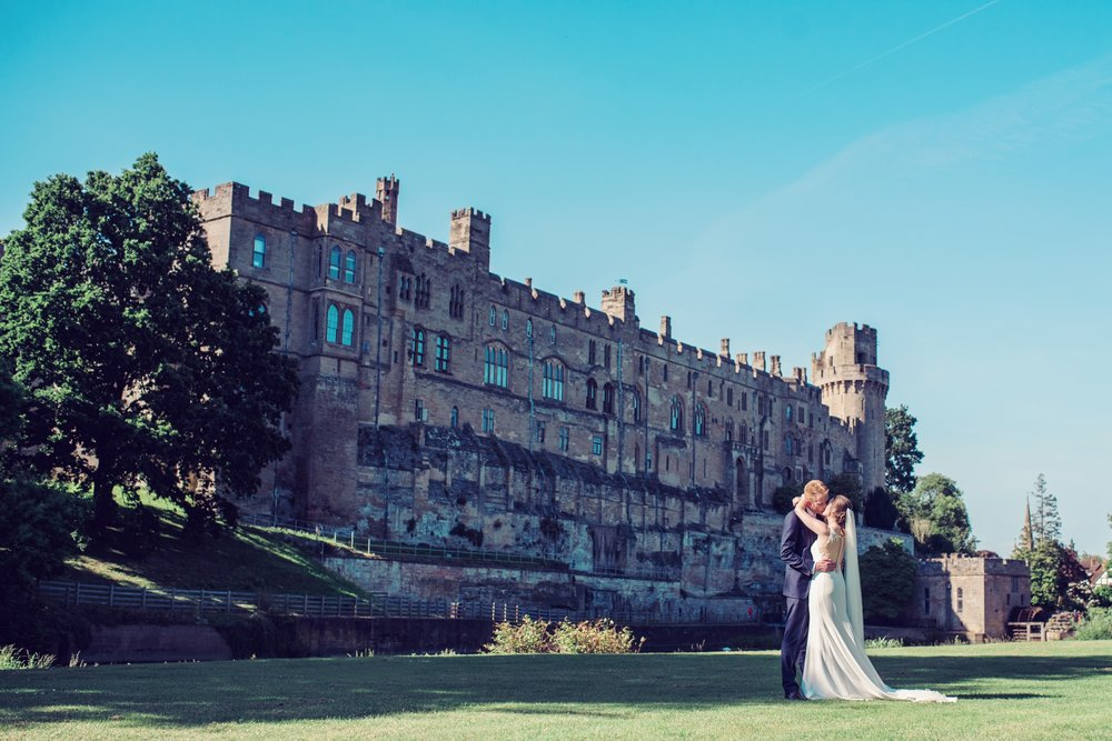 jessica-raphael-photography-warwick-castle-weddings