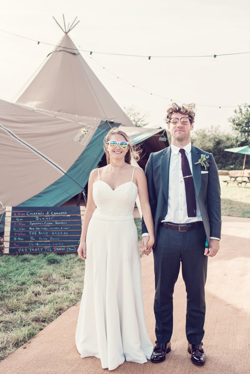 jessica-raphael-photography-mill-farm-glamping-weddings