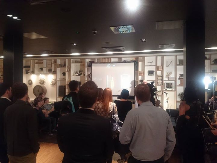 Everyone gathered in Citizen M, Glasgow, for the Starter for 6 Awards event. The two speakers where John Galvin of John Galvin Design and Michael Corrigan of trtl