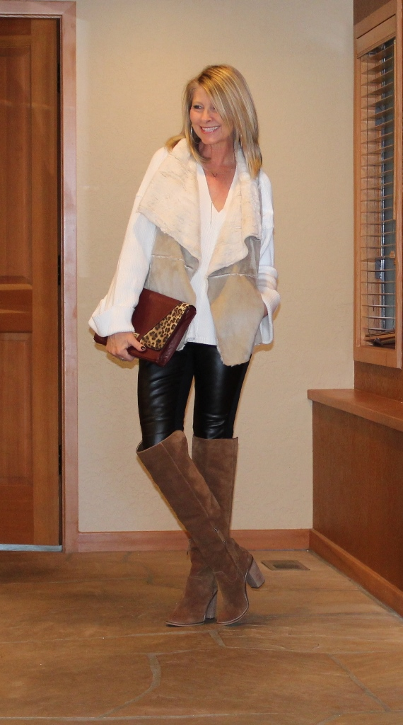 https://www.northwestmountainliving.com How I Wear Leather Leggings