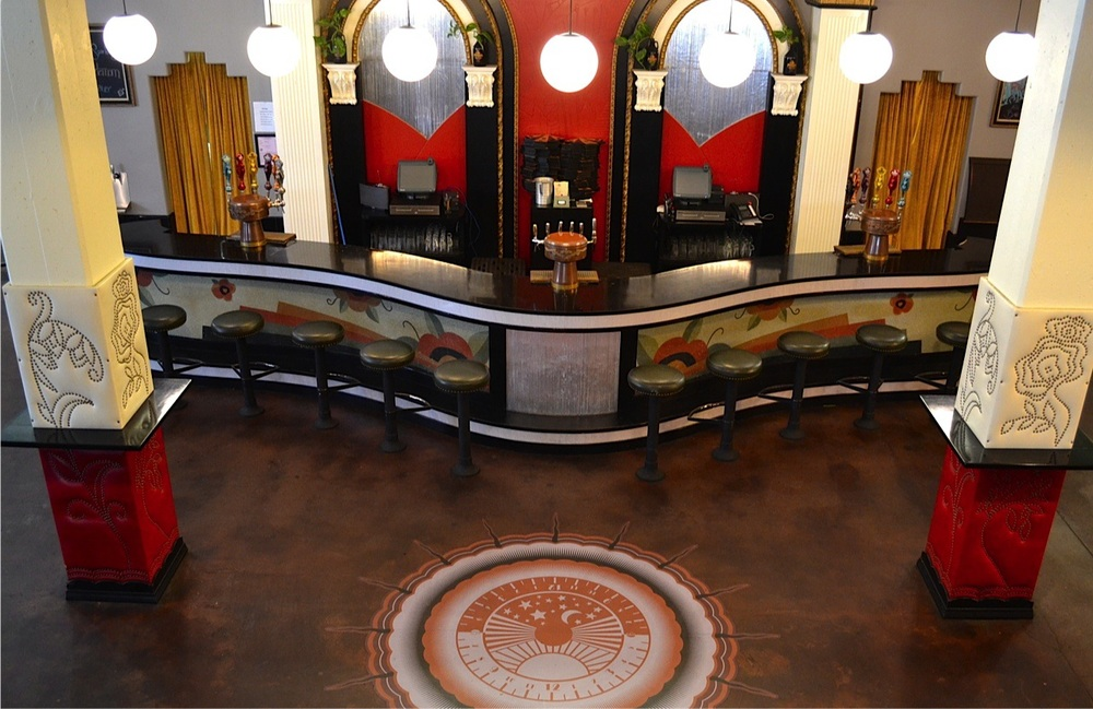 Interior bar at Angel City Brewery