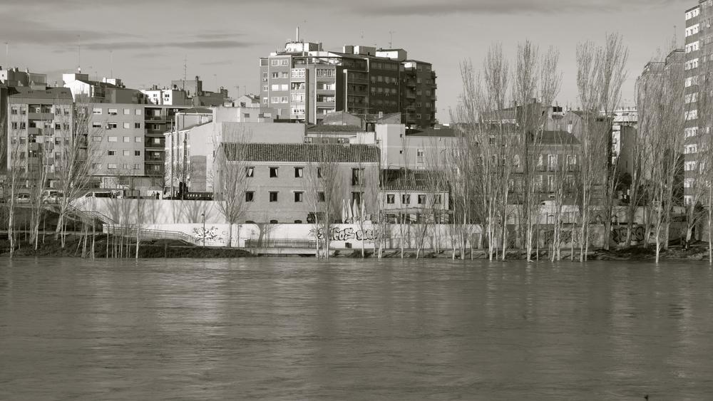 Pasaba Ebro desbordado bn