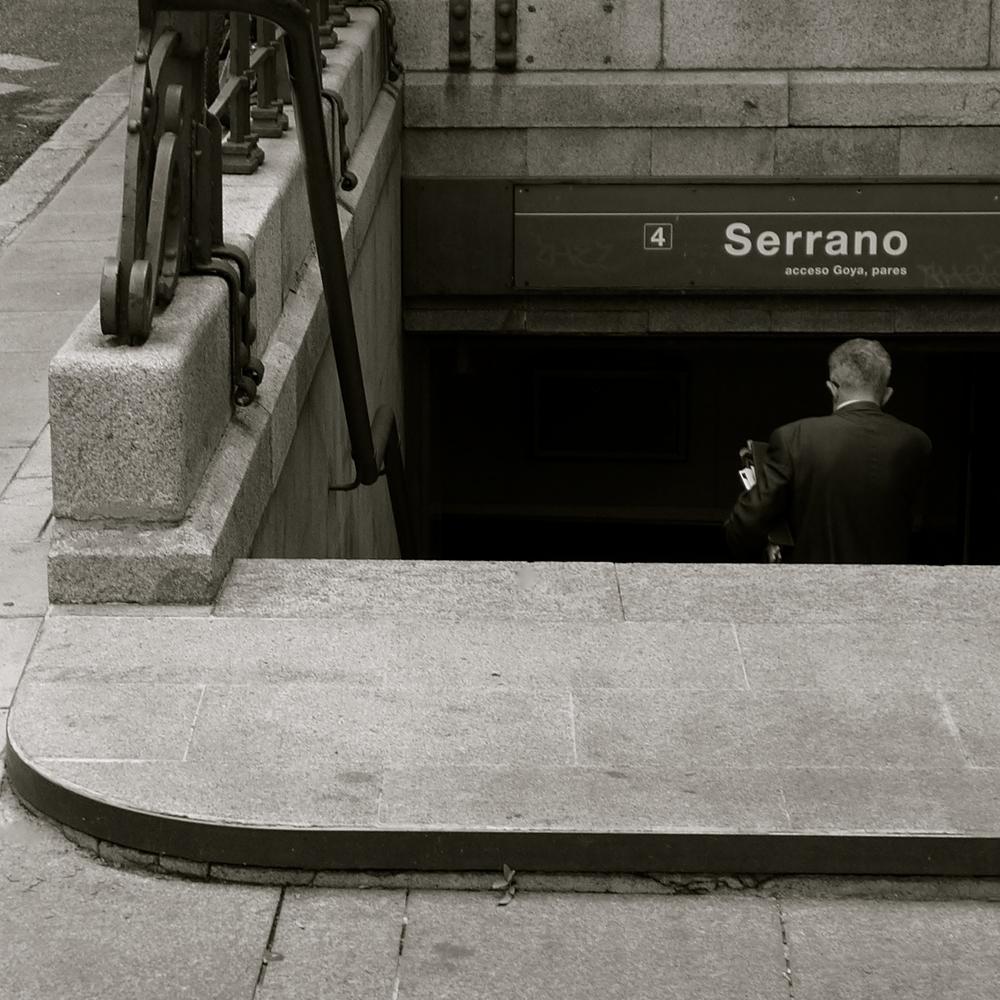 Serrano, sin parar