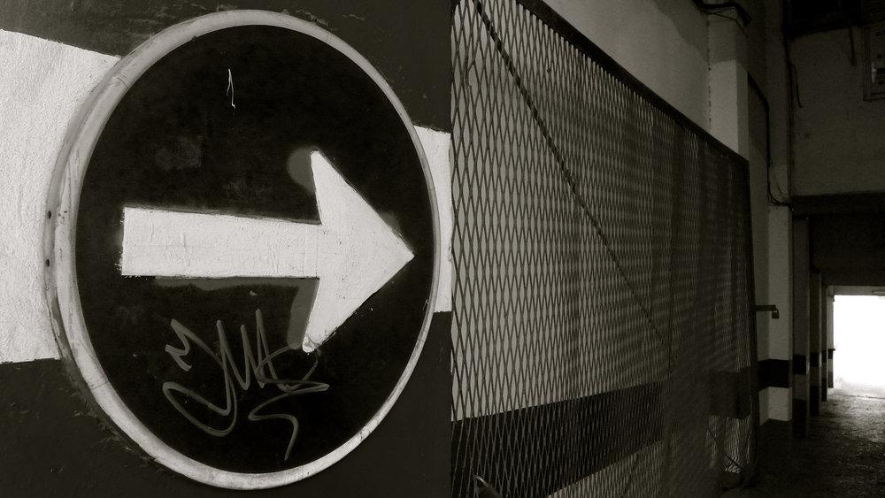 Flecha señal garaje