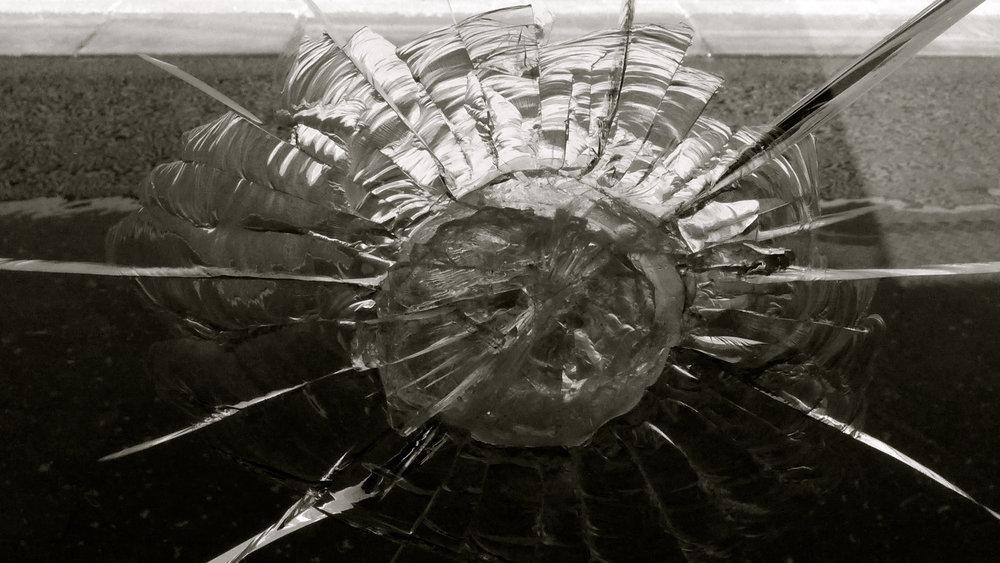 Tú lo has querido vidrio roto - 2