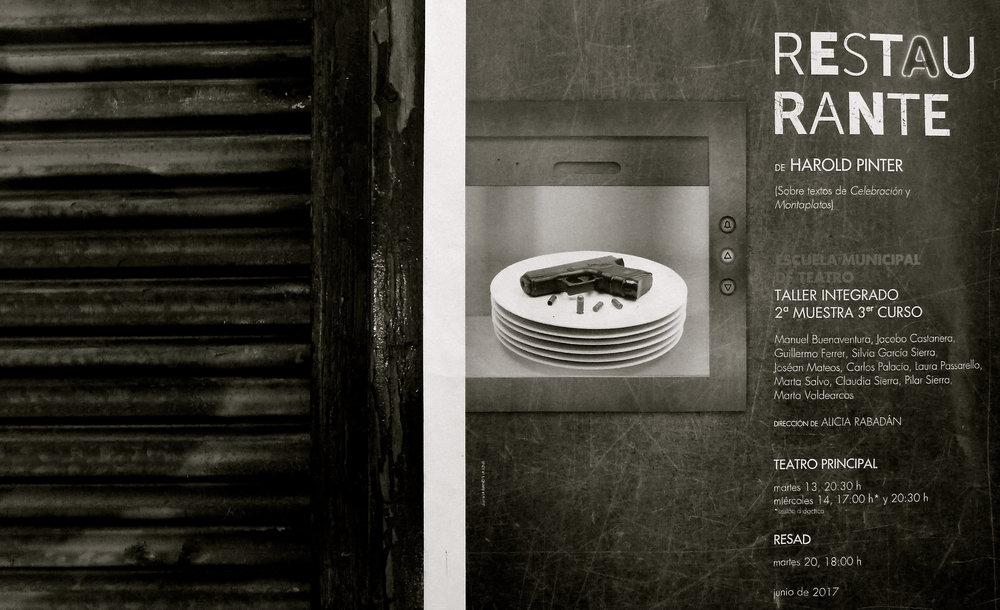 Libros y cartel Restaurante - 5