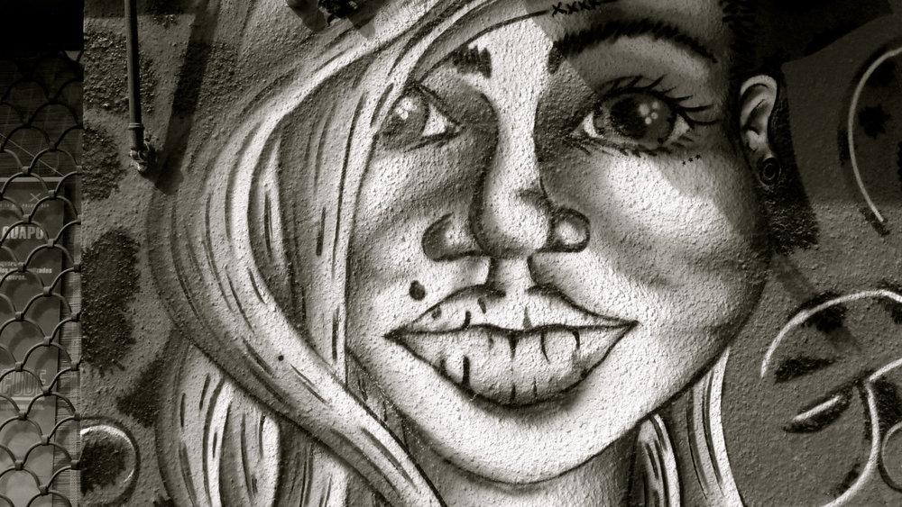 Graffiti chica peca - 3