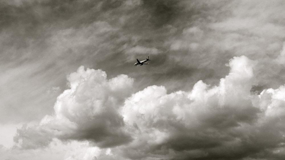 Avión en las nubes