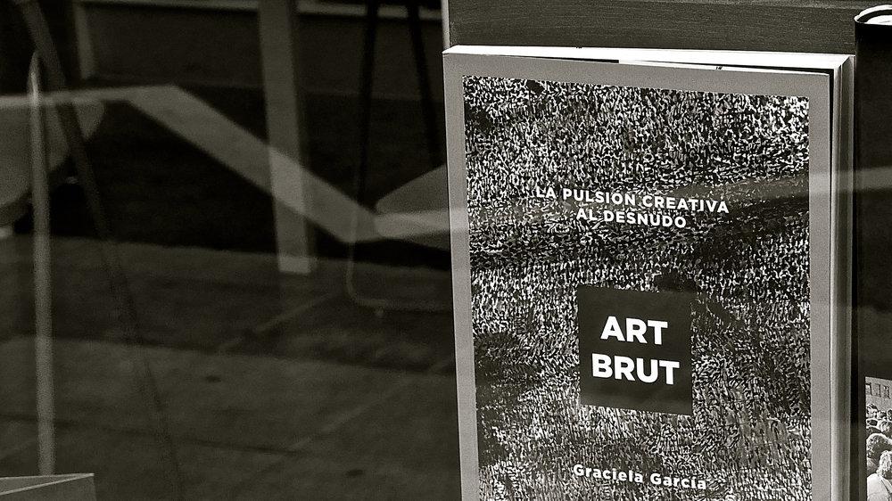 Art Brut libro en La Pantera