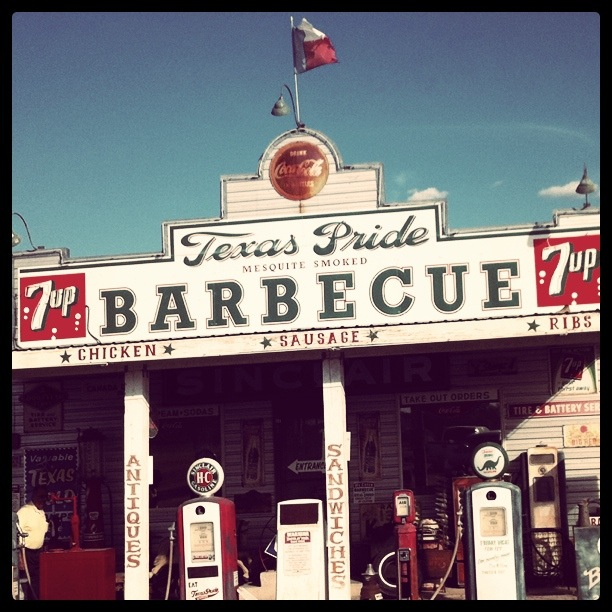 Took my parents over to Texas Pride last night on our drive back to my apartment.  The establishment is one of the most picturesque places in the San Antonio-Metro area.  The BBQ however receives a little too much praise in my opinion.