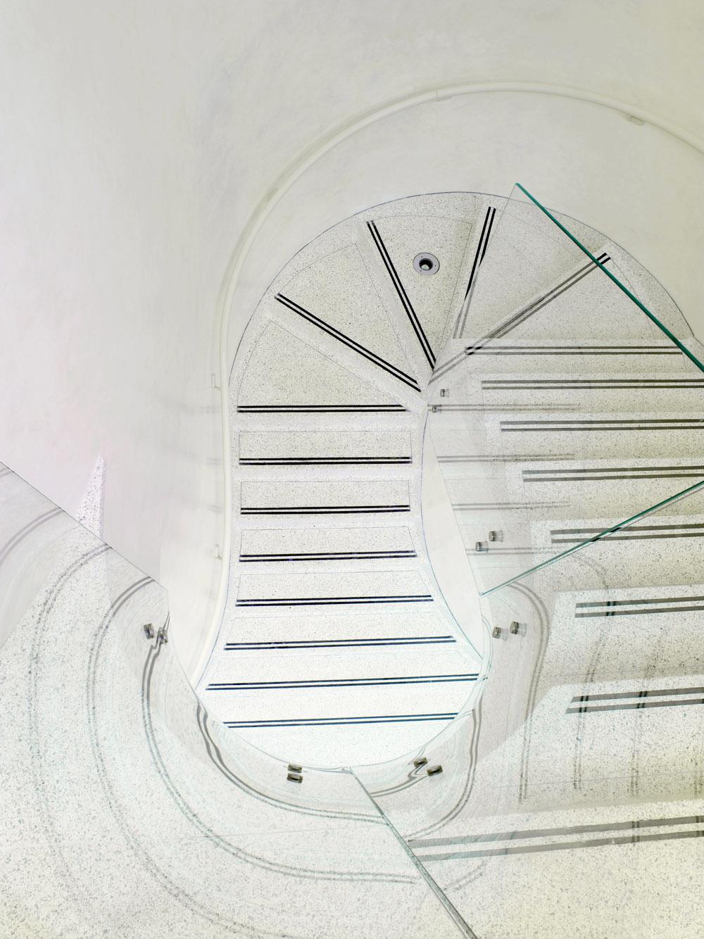 TLH_Staircase2-2.jpg