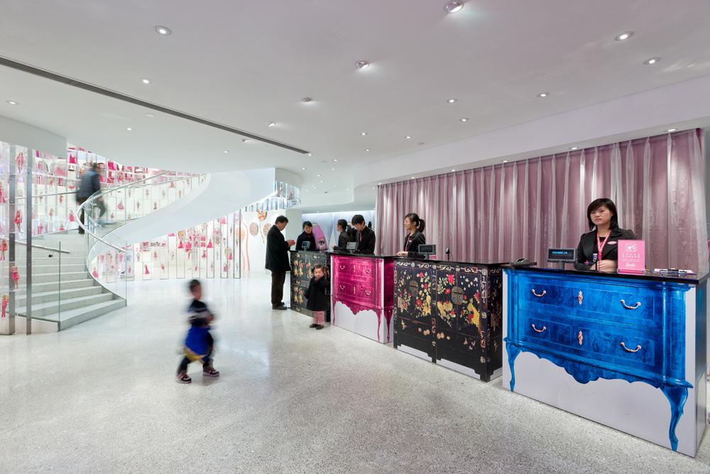 Barbie Store JSA 3962.jpg