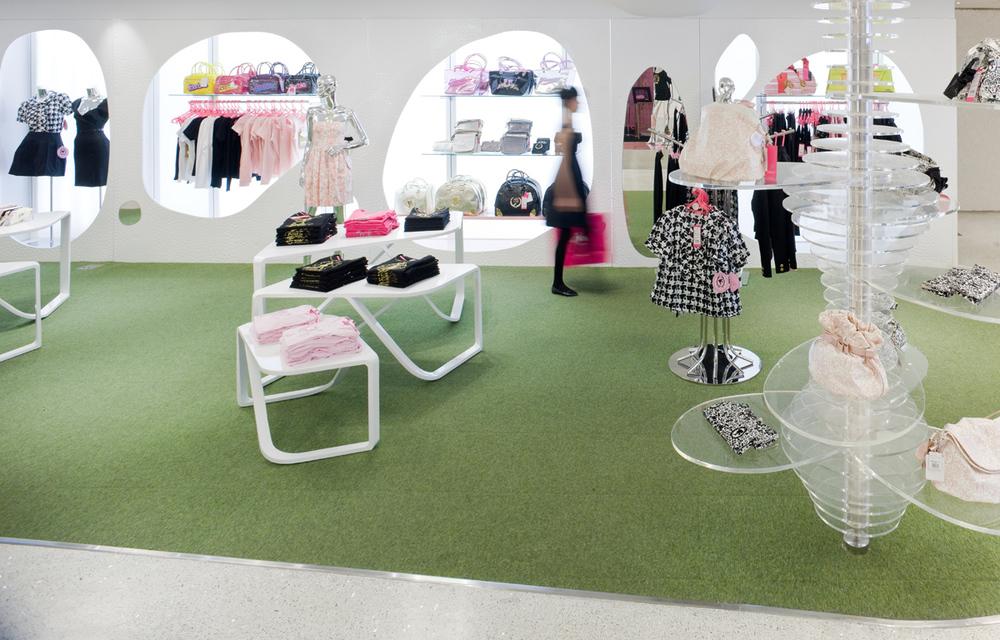Barbie Store JSA 3181.jpg