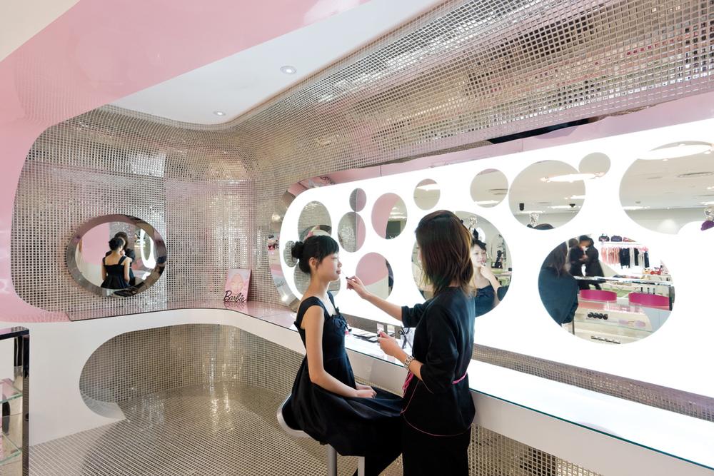 Barbie Store JSA 3242.jpg
