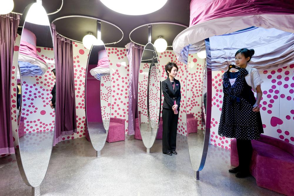 Barbie Store JSA 3330.jpg