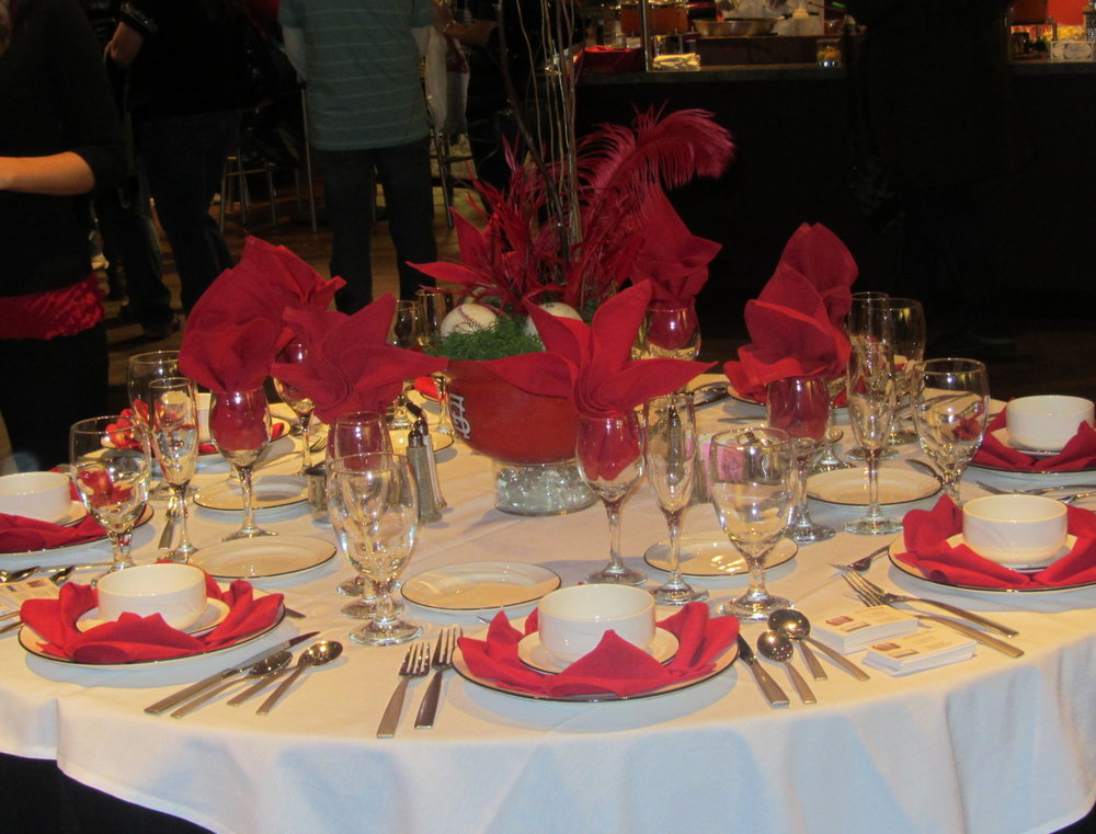 winter cardinal table decorations.jpg