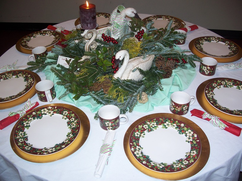 winter-holiday-table-swans.jpg
