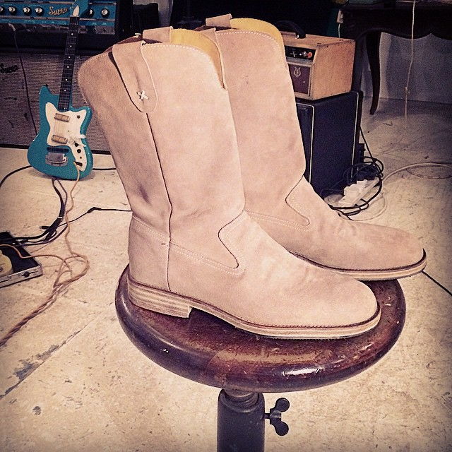 rusty boots.jpg