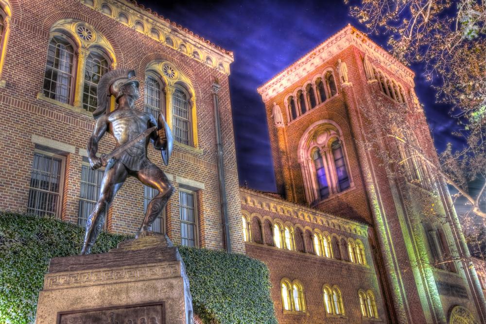 Tommy Trojan at Night.jpg