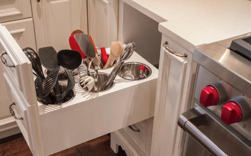 Image courtesy of Houzz - The 15 Most Popular Kitchen Storage Ideas!