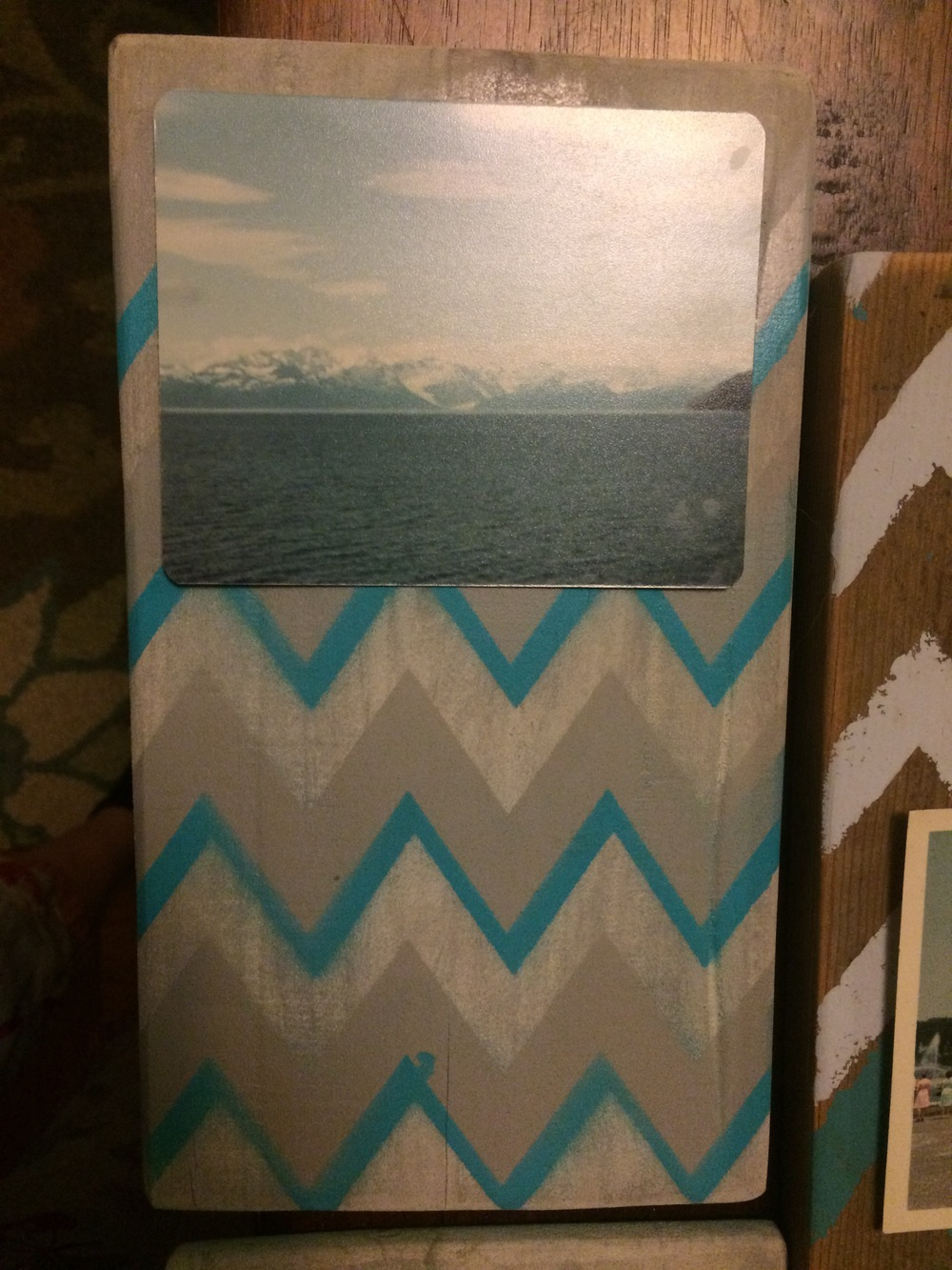 CHIC RECLAIMED WOOD PHOTO HOLDERS- MELT YOUR BFF'S HEART!..GET IT ICE BERGS.. MELT.. yeah HA.