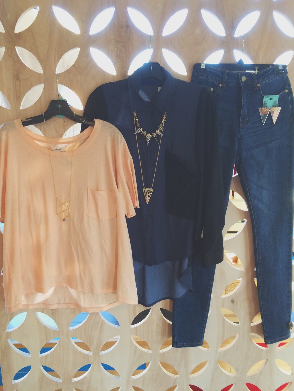 Gently worn basic tee shirts, flowy blouses, high rise / mid rise denim jeans. Necklaces with a long chain and statement pendant, or even necklaces with a short chain and a huge statement pendant.