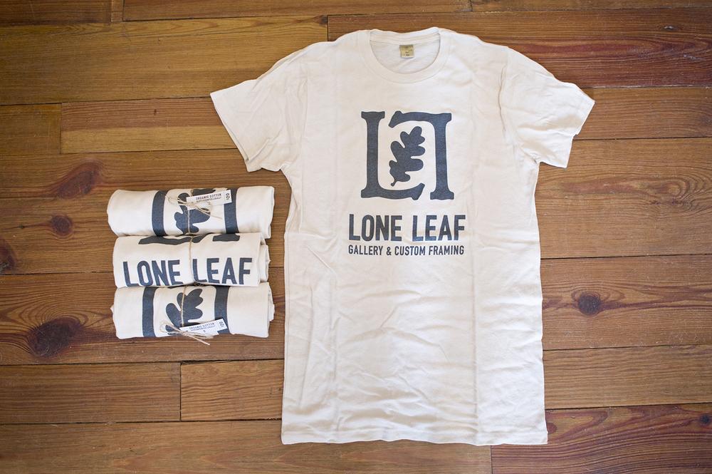 Lone_Leaf_08.jpg