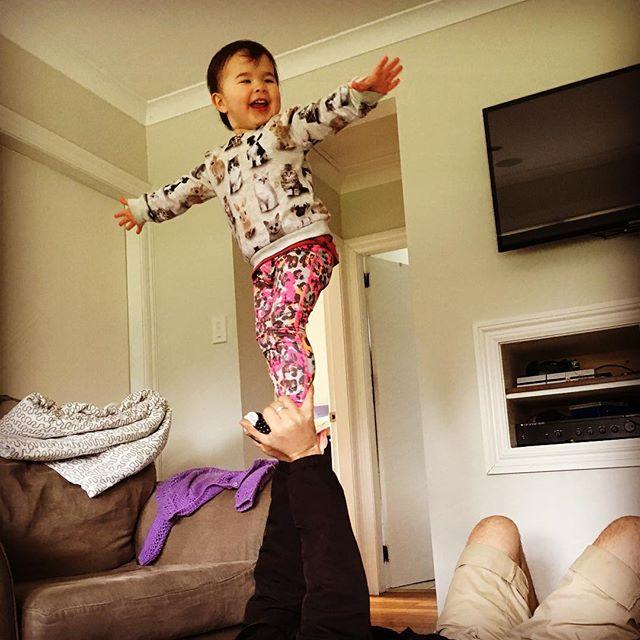Acrobat in training 👯♀️🧚🏻♀️💪🏼