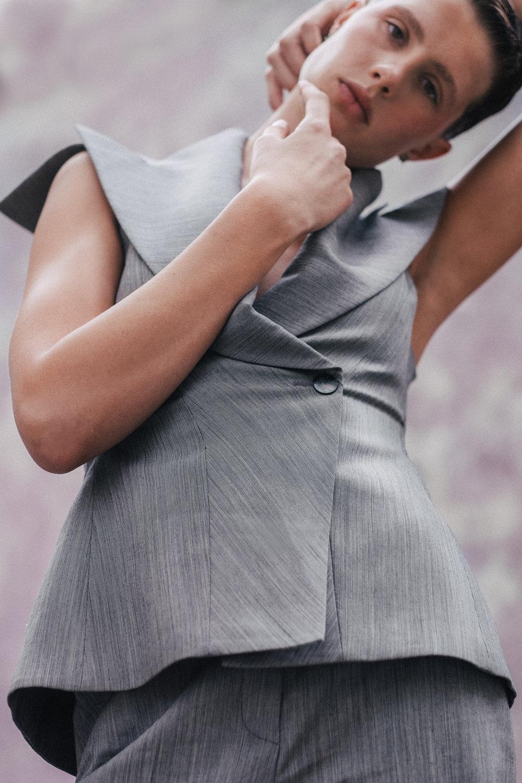 vest tV Archive :vintage Alexander McQueen)