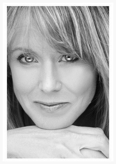 Cheryl Headshot.jpg