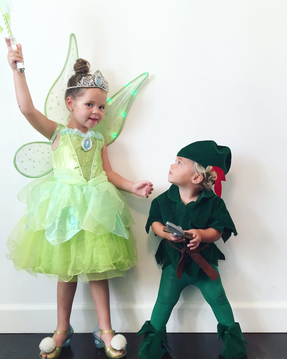 tinker bell and Peterpan